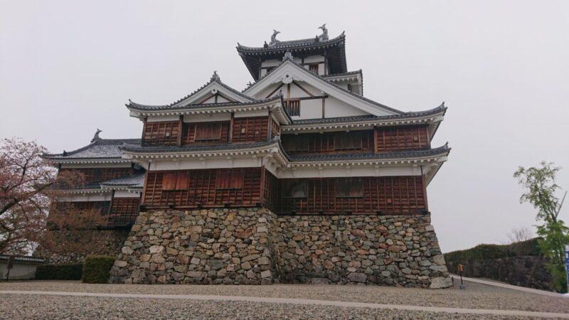 福知山城の清掃をいたしました。