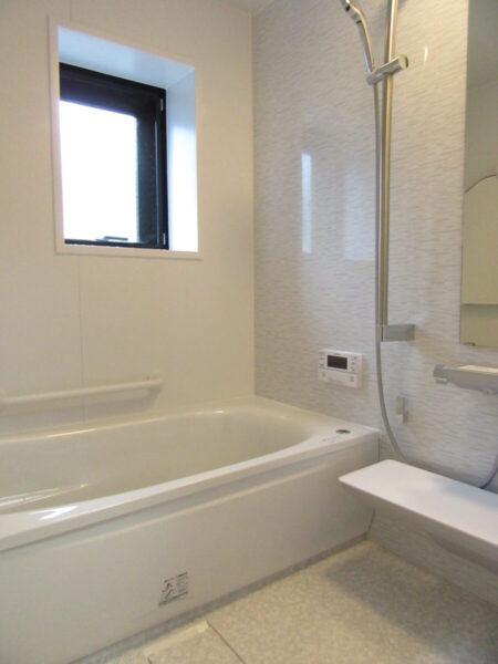 光熱費削減 浴室リフォーム 電気温水器からエコキュートへ