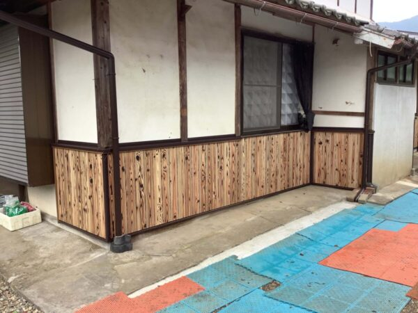 和風住宅 外壁腰板張り工事 風合い良しコスパ良し 焼き杉板