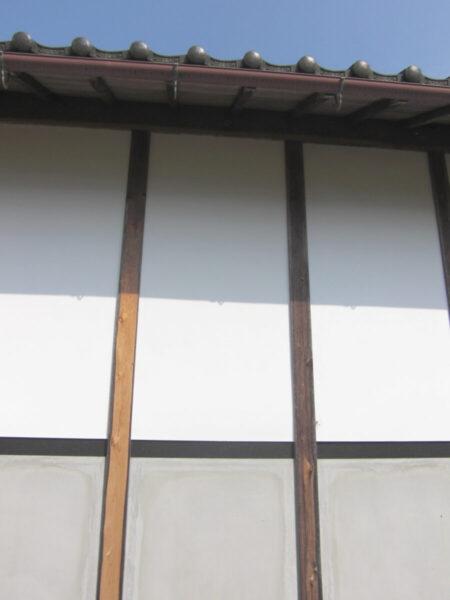 外壁漆喰壁補修工事 こまめなメンテで長持ち
